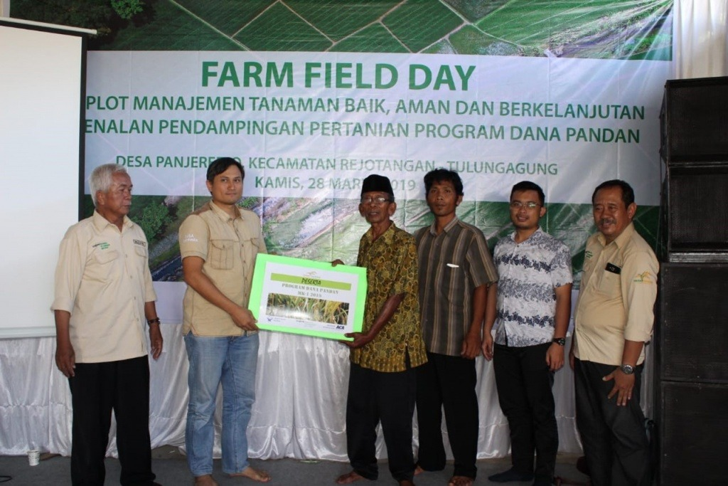 Ceremony of the first farmers registration